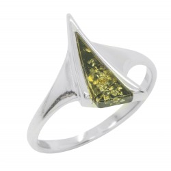 Ring in green amber and silver 925/1000, triangle shape