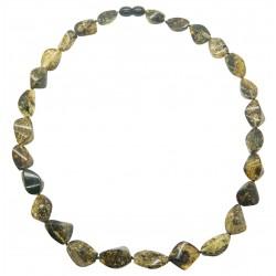 Ambra collana di figura scolpita multicolore oliva