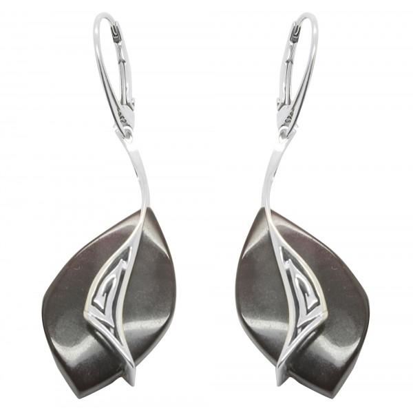 Boucle d'oreille design en argent et ambre couleur cerise