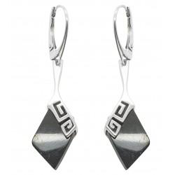 argento orecchino e forma di diamante ciliegio ambra