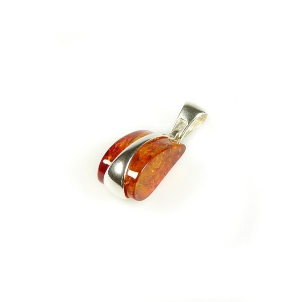 Pendentif en ambre naturel couleur cognac et argent 925/1000