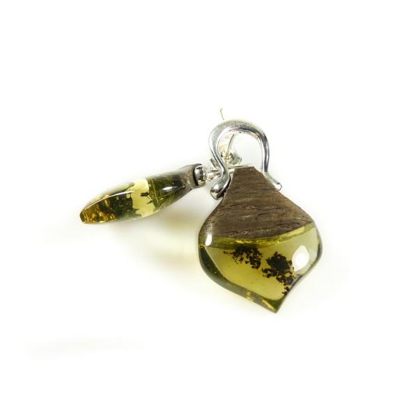 Boucle d'oreille Ambre naturel et bois précieux accompagné d'Argent